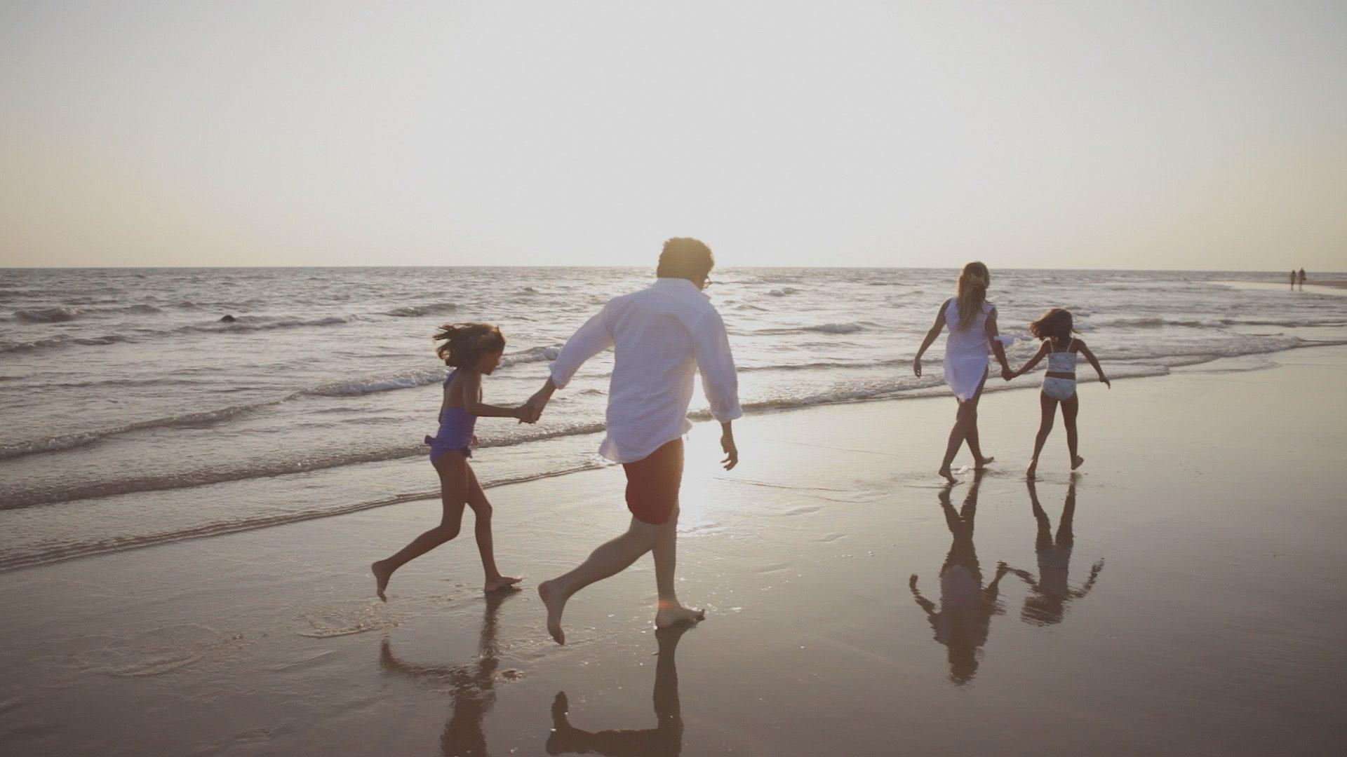 costa-ballena-familia-playa