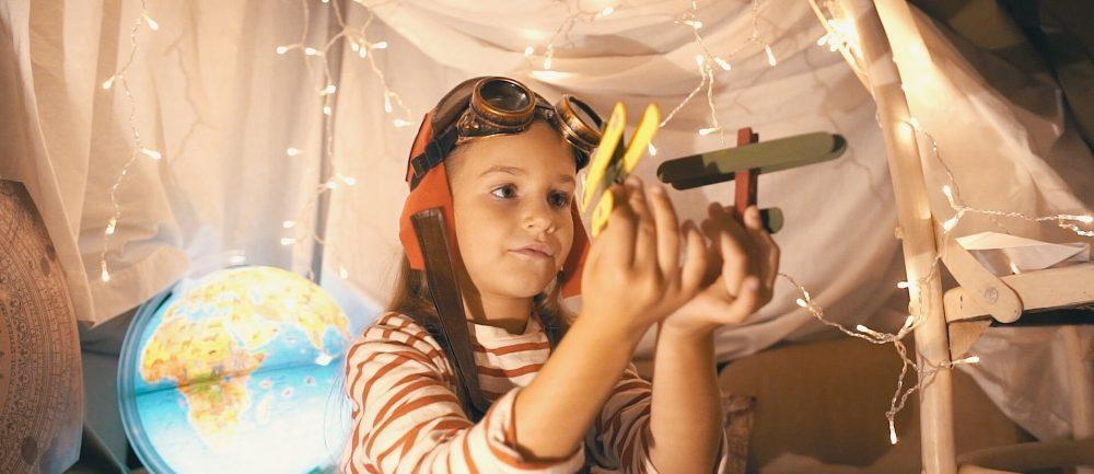 cabana-avion-nina-spot-publicitario